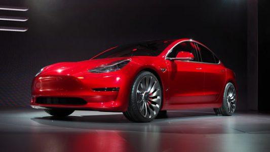 5 motivi per il boom di prenotazioni di Tesla 3
