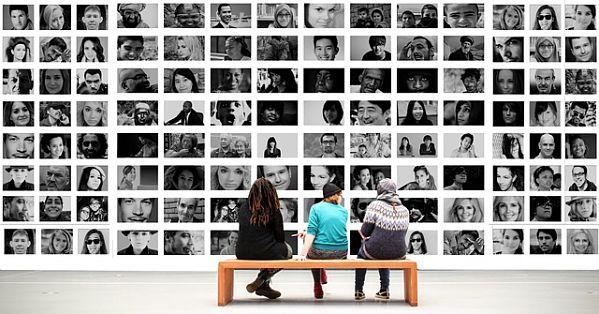 Interazione tra le persone sui social media
